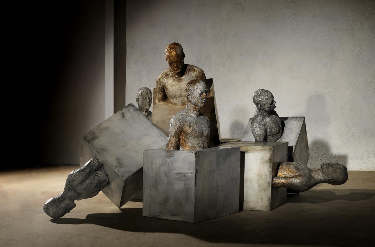Fotografía de Ainhoa anaut reproducción de arte, escultura de Damian Díaz